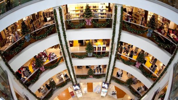 Nach Amoklauf bereitet sich München auf Weihnachtsgeschäft vor
