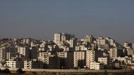 """""""Baut, wo ihr wollt"""": Das palästinensische Viertel Kufr Aqab hinter der israelischen Sperrmauer"""