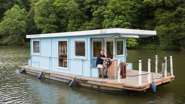von der banker karriere zum hausboot verleih. Black Bedroom Furniture Sets. Home Design Ideas