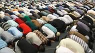Muslime der Ahmadiyya Gemeinde in Rheinstetten (Baden-Württemberg)
