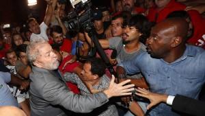 Lula tritt nun doch Haft an