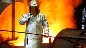 IG Metall-Chef droht mit schneller Streik-Eskalation