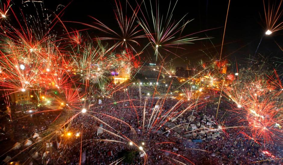 Volksfeststimmung auf dem Tahrir-Platz: Feuerwerk zur Absetzung Mursis