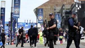 Champions-League-Finale unter geschlossenem Dach