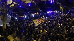 Heftige Zusammenstößen bei Protesten