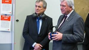 Bouffier: Angriffe auf Polizisten machen Sorge