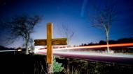 Mahnung: Auch dieses Kreuz erinnert an einen Verkehrstoten