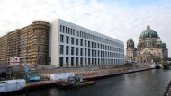 Fassade des Berliner Stadtschlosses neben dem Berliner Dom