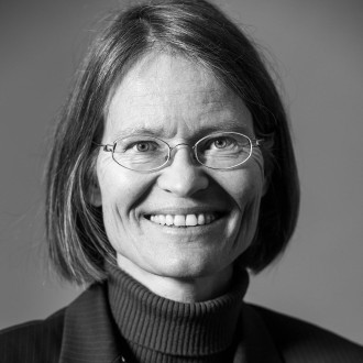 Anne Peters ist Direktorin am Max-Planck-Institut für ausländisches öffentliches Recht und Völkerrecht in Heidelberg und stellvertretende Vorsitzende der Deutschen Gesellschaft für Internationales Recht mit Sitz in Wien.