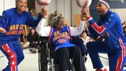109-Jährige lässt Basketbälle kreisen
