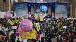 Zehntausende protestieren in Berlin gegen Agrarindustrie