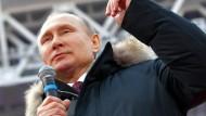 Sieht sich als den Mann, der Russland wieder zu alter Größe führt: Wladimir Putin.