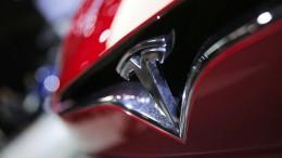 Teslas Fahrt durch die roten Zahlen