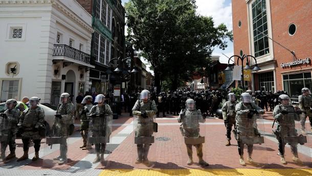 Ausnahmezustand in Charlottesville