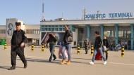 Zurück in Afghanistan: Der Bundesinnenminister bietet Flüchtlingen nun höhere Prämien, wenn sie freiwillig in ihre Heimat zurückkehren.
