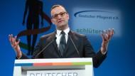 Hat mit seiner Äußerung über Hartz-IV-Empfänger eine kontroverse Debatte ausgelöst: Gesundheitsminister Jens Spahn (CDU)