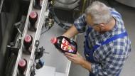 Verkauft sich bei den Deutschen besser als die Henkel-Aktie: Persil-Waschmittel im Werk in Düsseldorf