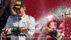 Rosbergs Reifen halten