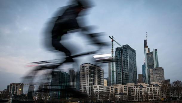 Frankfurt will über Radschnellweg entscheiden
