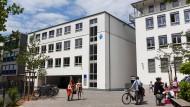 """Zensur oder """"Verantwortung gegenüber jüngeren Schülern""""? Die Schülerzeitung der Anna-Schmidt-Schule sorgt für Diskussionen an der Privatschule."""