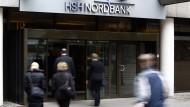 Banker lassen sich von den eigenen Schulden nur selten aus der Ruhe bringen.