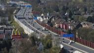 Die A40 bei Bochum, auch Ruhrschnellweg genannt.