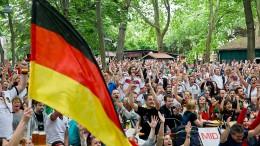 Regierung lockert Lärmschutz für Fußball-WM