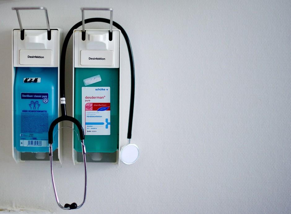 Handhygiene im Krankenhaus: Wichtig, für Ärzte aber auch zeitintensiv