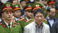 Trinh Xuan Thanh verfolgt die Urteilsverkündung in Hanoi.