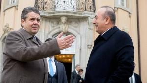 Gabriel und der Ton gegenüber der Türkei