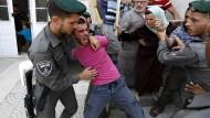 Eine Auseinandersetzung zwischen israelischen Soldaten und Palästinensern im Juli in Hebron im Westjordanland