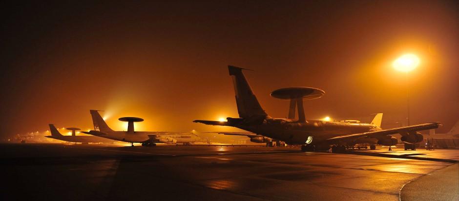 Awacs-Aufklärungsflugzeuge auf dem Nato-Stützpunkt in Konya.