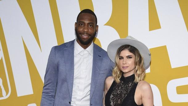 Ehemaliger NBA-Profi und Sängerin sterben bei Autounfall
