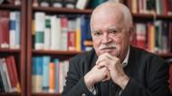 In seiner Münchner Kanzlei: Peter Gauweiler heute