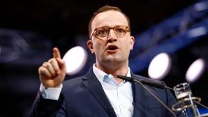 Spahn will sich auch als Minister kritisch zur Flüchtlingspolitik äußern