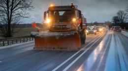 Schnee und Glätte treffen Berufsverkehr