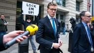 Weil er vor dem FBI log, wurde der niederländische Anwalt Alex van der Zwaan zu 30 Tagen Haft und 20.000 Dollar Strafe verurteilt.