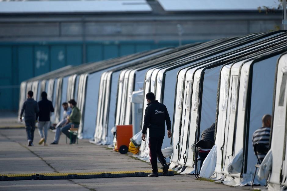 """""""Im zweiten deutschen Herbst, dem Herbst der offenen Grenzen, habe ich mich mit solchen Fragen beschäftigt, bevor ich öffentlich sagte: ,Wir schaffen das nicht!'"""": Boris Palmer über die Flüchtlingskrise"""