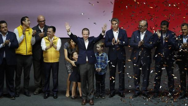Präsidentschaftswahlkampf in Mexiko eröffnet