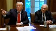Donald Trump und John Kelly im Weißen Haus.