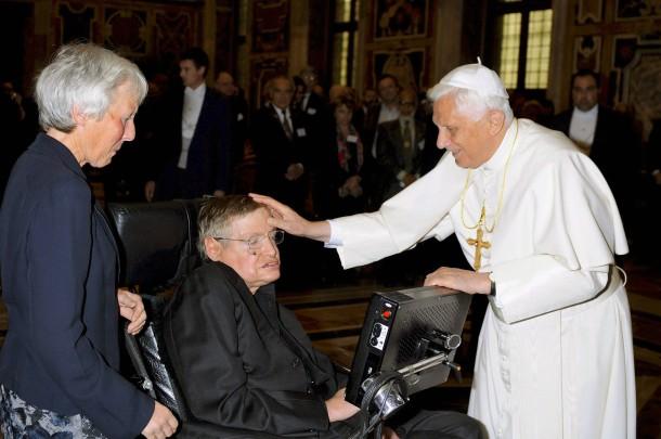 Papst Benedikt XVI. empf�ngt Stephen Hawking