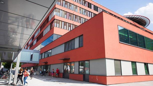 Sana klinikum offenbach steigert gewinn kr ftig for Depot offenbach