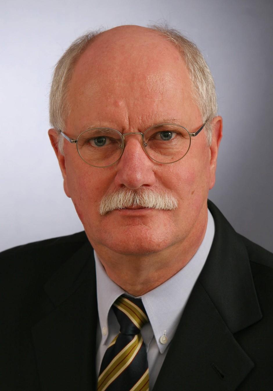 Björn Lemmer, 75, leitete bis 2007 das Institut für Pharmakologie und Toxikologie an der Uni Heidelberg und ist Autor eines Fachbuchs zur Chronopharmakologie.