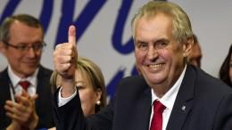 Präsident Zeman bleibt im Amt