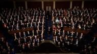Mitglieder des Kongresses und Gäste während der Rede von Donald Trump