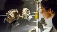 Gasmasken sehen dich an: Blick in die Brüsseler Ausstellung