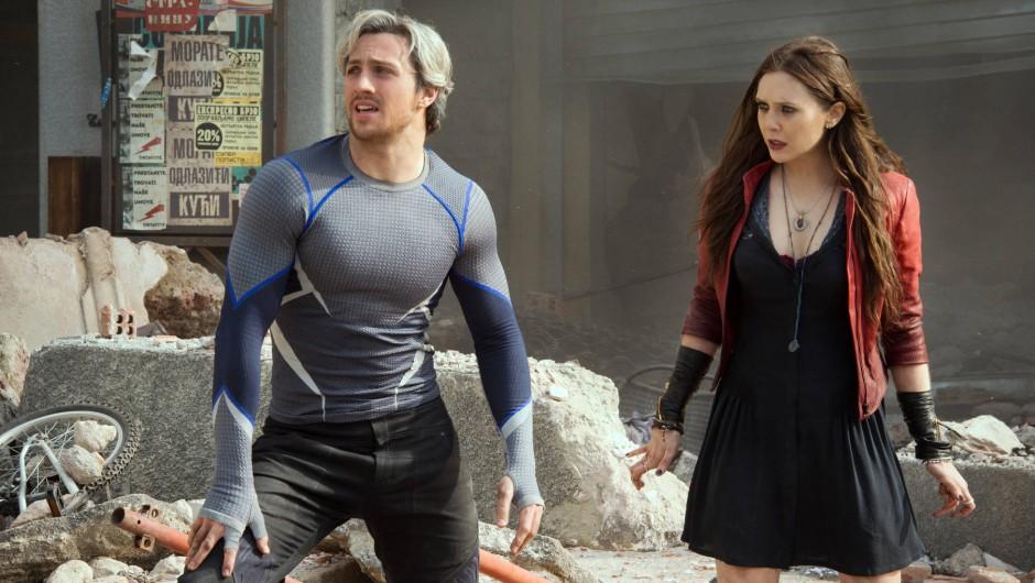 "Aaron Taylor-Johnson als Pietro und Elizabeth Olsen als Wanda in ""Avengers: Age Of Ultron"""