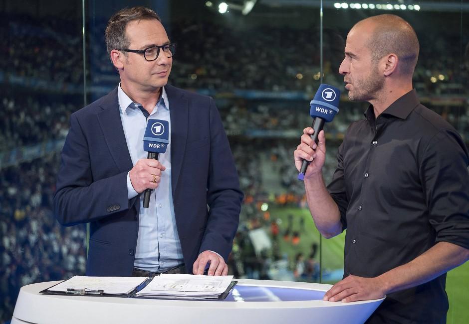 Eingespieltes Team: Matthias Opdenhövel (links) und Mehmet Scholl kommentieren nicht nur bei der EM für die ARD.