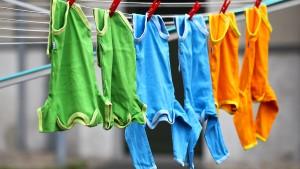 Lohnt es sich, von Tchibo Babyklamotten zu mieten?