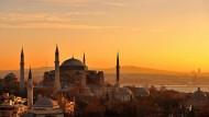 Hagia Sophia: Istanbul wurde 2016 von mehreren Terroranschlägen getroffen. Die jüngsten Verhaftungen sorgen jetzt für zusätzliche Unsicherheit.